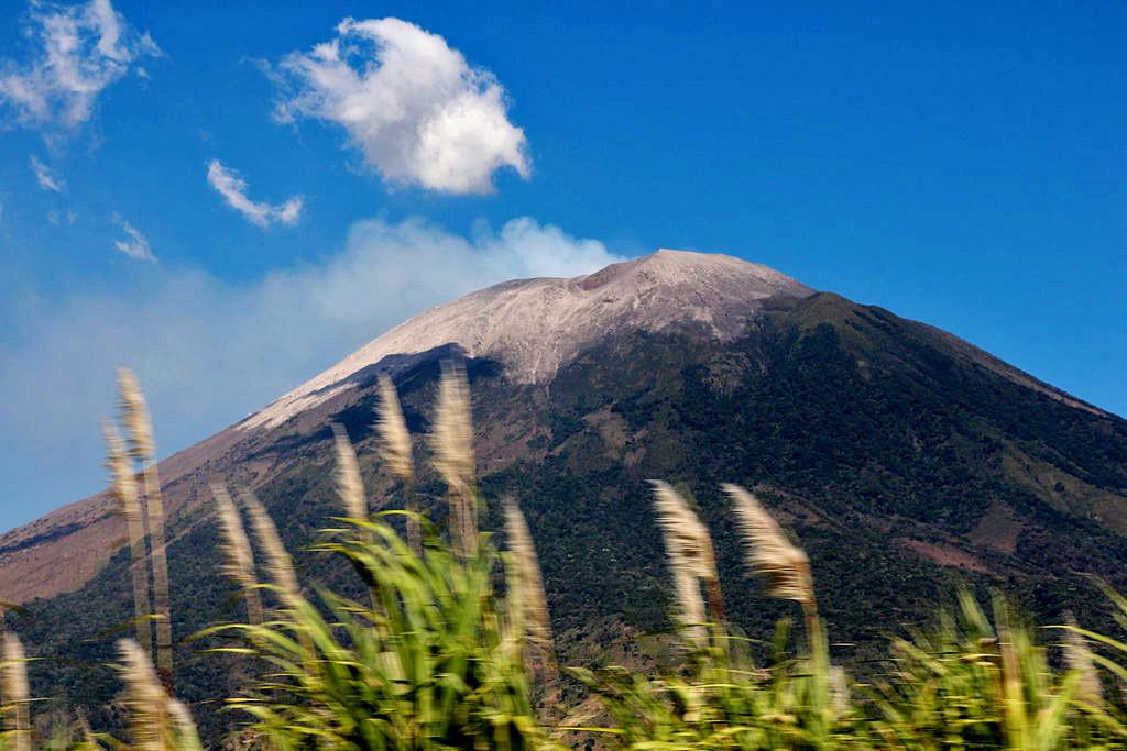 Vulkan_Chaparrastique,_El_Salvador_2013_04 copy